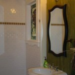 Arched Trim in Renovated Bathroom